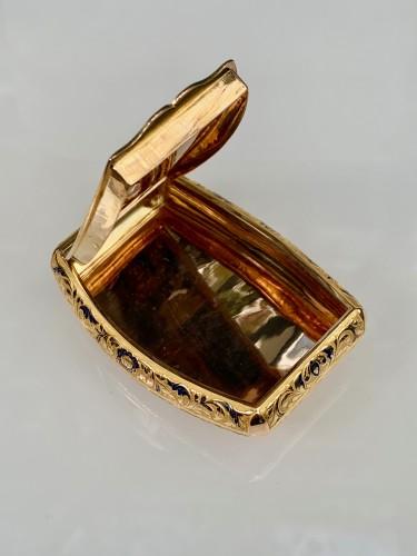 Gold pocket snuffbox -