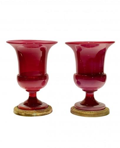 Pink gorge de pigeon  Médicis opaline vases