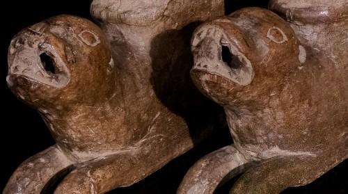Antiquités - Lion Bearers (circa 1300)
