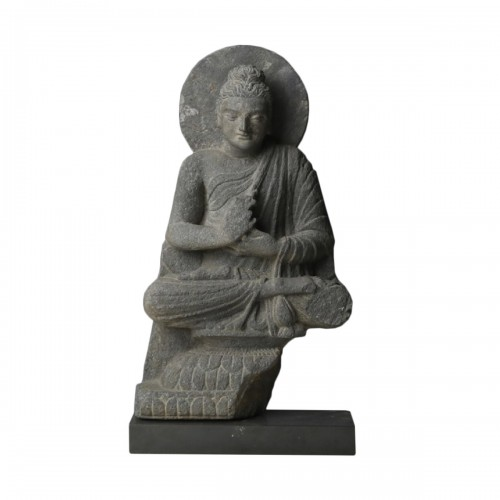 Gandharan sculpture of the Buddha (2nd-4th cent. AD)