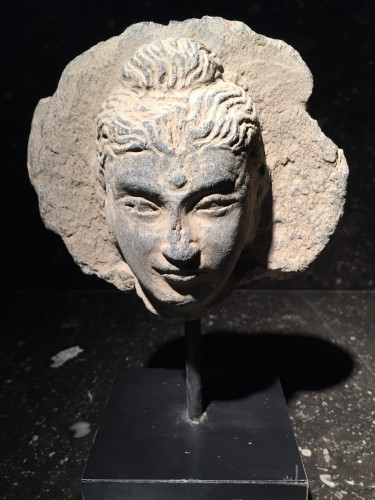 Head of the Buddha (Gandhara, 2nd-4th century AD) - Middle age