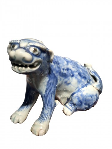 Meiji Blue and White Ceramic Dog (Japan, 19th cent)