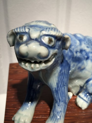 Meiji Blue and White Ceramic Dog (Japan, 19th cent) - Asian Art & Antiques Style