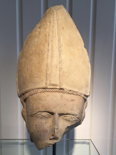 Bischop's head, Central France 14th century - Sculpture Style Middle age