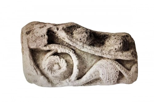 Romanesque limestone fragment (France, 12th cent)
