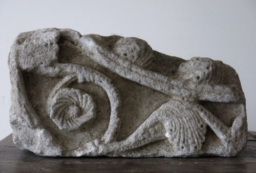 Romanesque limestone fragment (France, 12th cent) - Sculpture Style Middle age