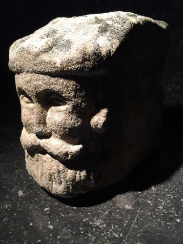 Head of a King, United Kingdom 16th century - Sculpture Style Middle age