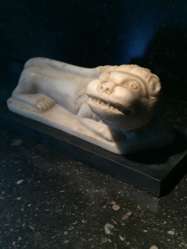 Little lion in marble - Italy, ca 1700 -