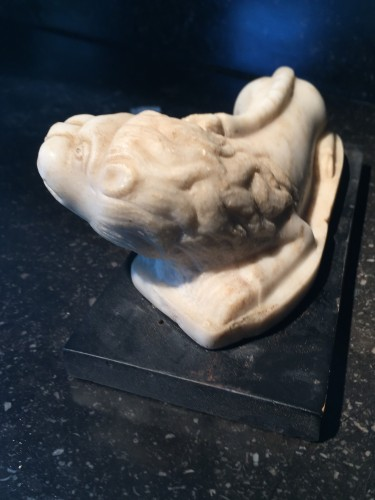 Antiquités - Little lion in marble - Italy, ca 1700