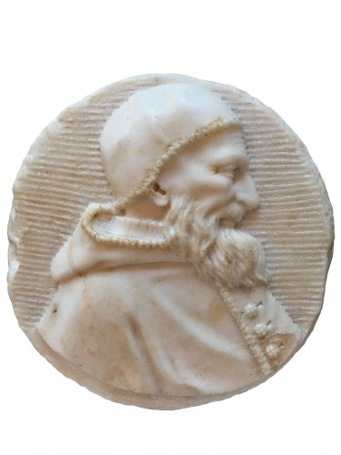Male portrait in white marble medaillon (Italy, 16th century)