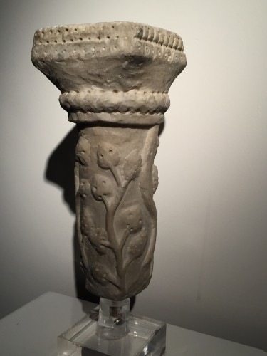 Marble column fragment (Italy, end of 12th cent) -