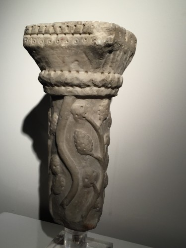 Middle age - Marble column fragment (Italy, end of 12th cent)