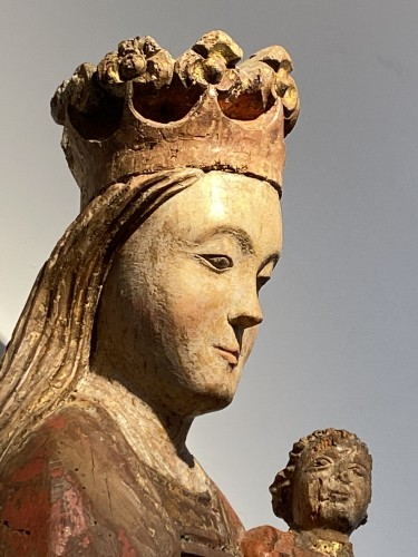 Enthroned Virgin with Child, France 14th century - Sculpture Style Middle age