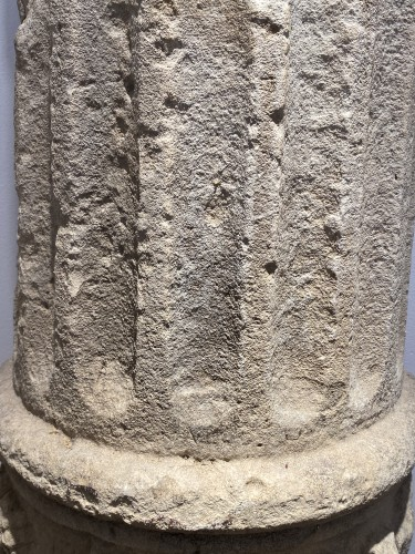 Middle age - Large fragment of a Column, France 13th century