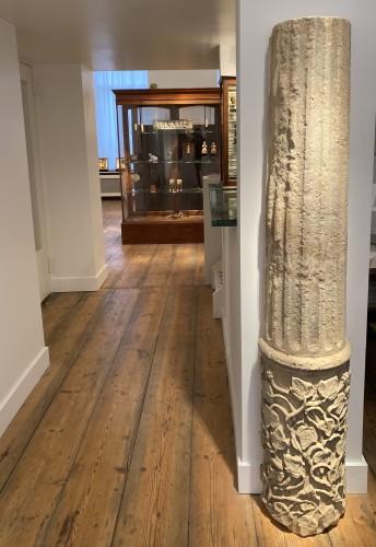 Antiquités - Large fragment of a Column, France 13th century
