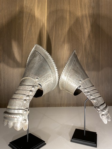 <= 16th century - Armour Gauntlets (Italy, 16th)