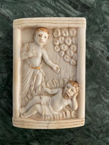 Curiosities  - Ivory plaque - Hispano-Philippine, 17th century