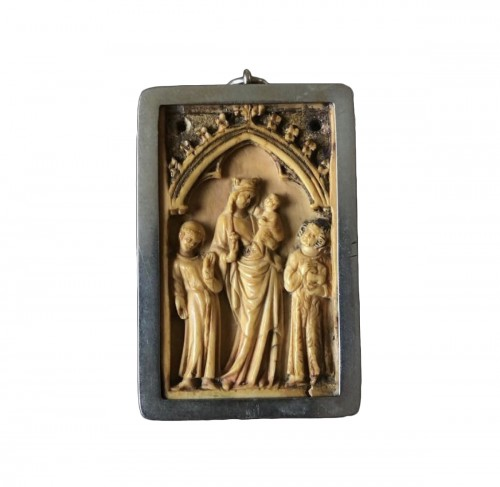 Small Gothic Ivory Plaque (France, ca 1350)