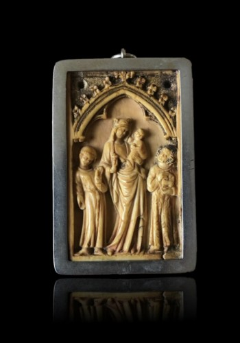 Small Gothic Ivory Plaque (France, ca 1350) -