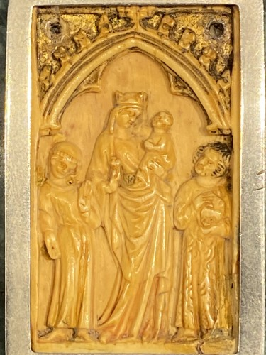 11th to 15th century - Small Gothic Ivory Plaque (France, ca 1350)