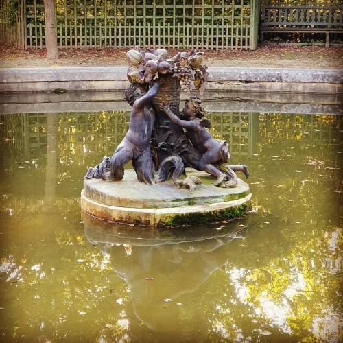 Art nouveau - Autumn in Versailles by the impressionist painter Paul Helleu (1859 - 1927)