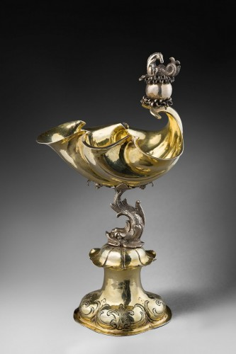 A parcel-gilt shell shaped cup  (Muschelpokal) - Antique Silver Style