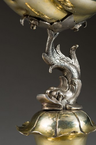Antique Silver  - A parcel-gilt shell shaped cup  (Muschelpokal)