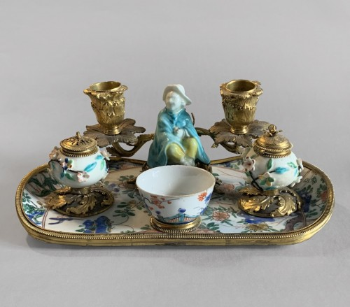 An ormolu mounted porcelain inkstand - Decorative Objects Style French Regence