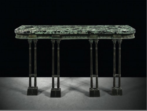 A Neo-Egyptian patinated bronze console - Furniture Style Art Déco