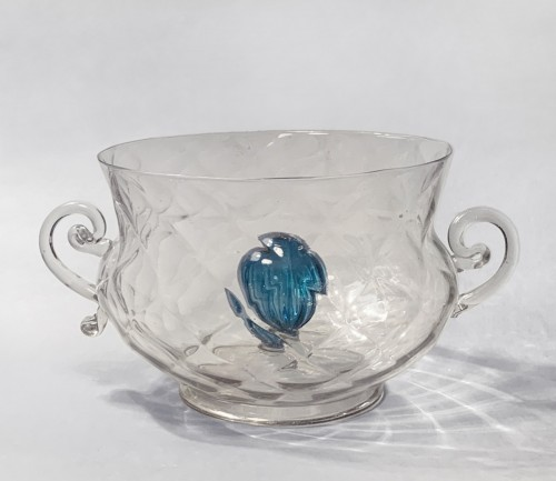 A faceted bowl with handles and a blue gadrooned bulb in the centre - Glass & Crystal Style