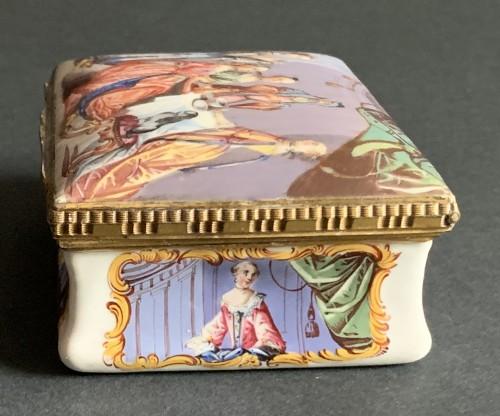 Antiquités - A gilt-metal mounted Battersea enamel snuff-box