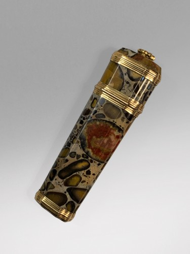 A gold mounted puddingstone nécessaire - Objects of Vertu Style