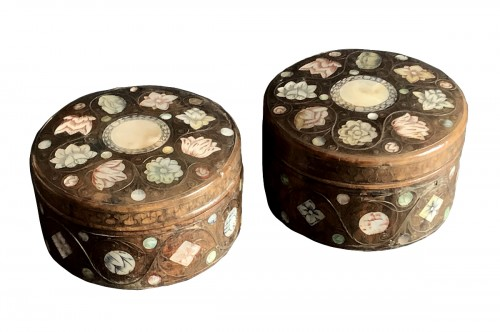 A pair of Spa marquetry powder boxes