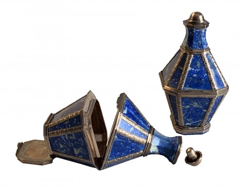 A pair of gold mounted lapis lazuli boxes/flasks