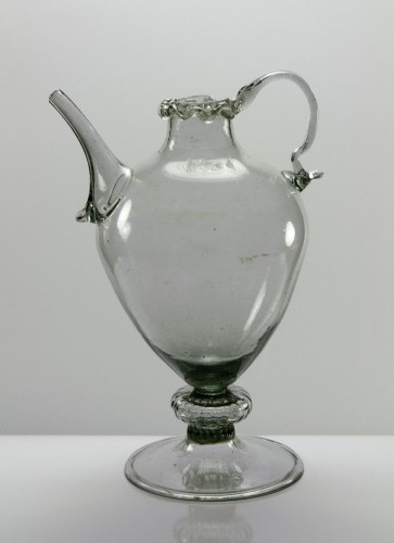 A glass chevrette - Glass & Crystal Style