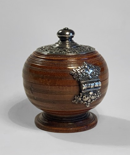 An Indo-Portuguese silver mounted turned ivory spherical box - Objects of Vertu Style