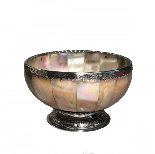 A silver mounted mother-of-pearl cup - late 16th - early 17th century