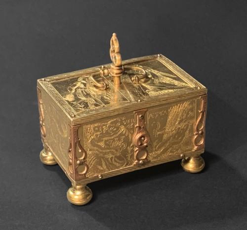 Antiquités - A Michel Mann Gilt-Brass Box, circa 1600