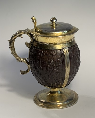 An English silver-gilt mounted coconut tankard, 17th century - Antique Silver Style