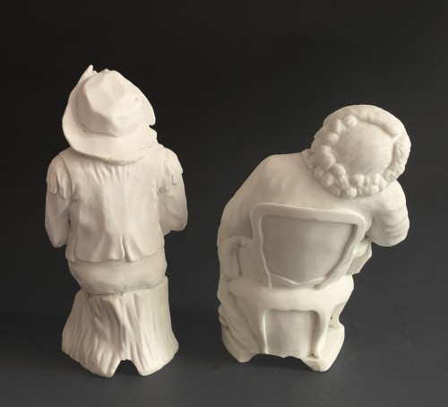 A pair of 18th century biscuit porcelain figures for a centerpiece - Porcelain & Faience Style