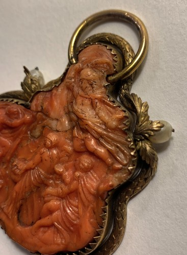 Antique Jewellery  - A silver-gilt mounted coral cameo - Trapani, late 16th century