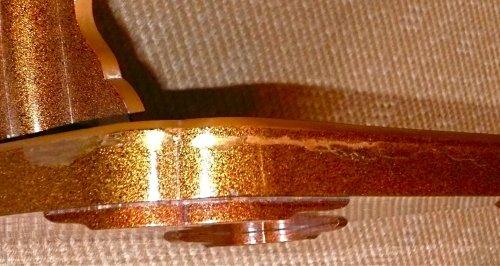 19th century - A Gold Lacquer katana holder or Tachi Kake