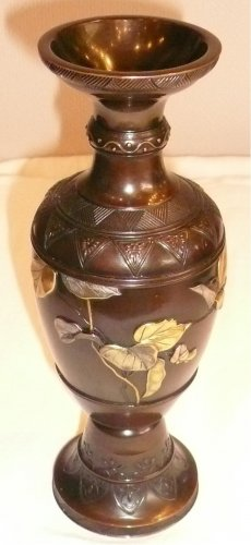 19th century - Japanese Bronze Vase with Gold and Silver Decoration