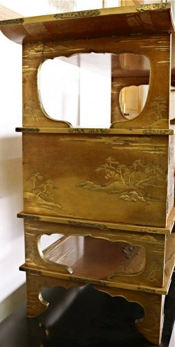 19th century - A Japanese Gold Lacquered Shodana