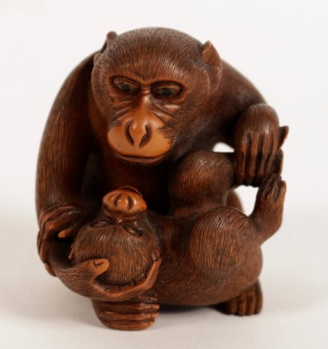 Very Nice boxwood Okimono A Monkey with his Little