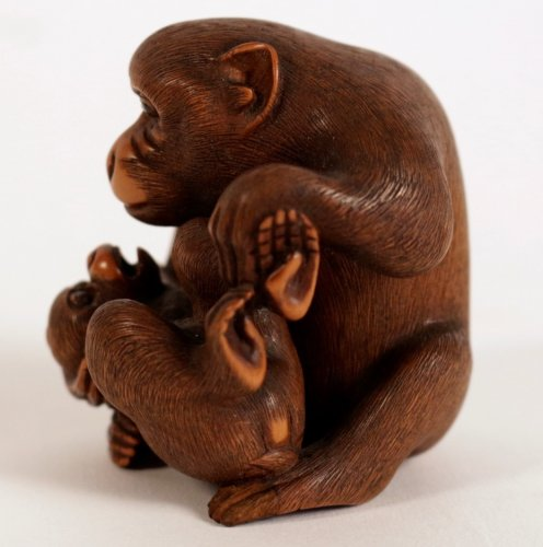 Very Nice boxwood Okimono A Monkey with his Little - Asian Art & Antiques Style