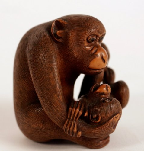 Very Nice boxwood Okimono A Monkey with his Little -