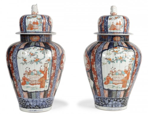 Nice Pair of Covered Vases in Imari Enamels
