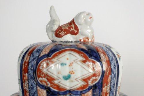 - Nice Pair of Covered Vases in Imari Enamels