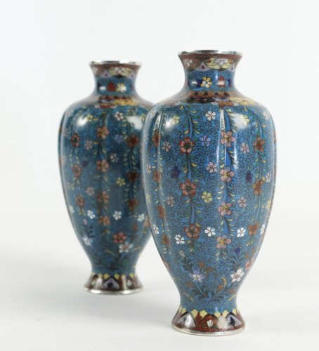 19th century - Pair of Cloisonné Fluted Vases